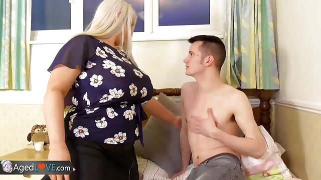مامان روی صورتش می لینک سوپر گروه سکسی نشیند