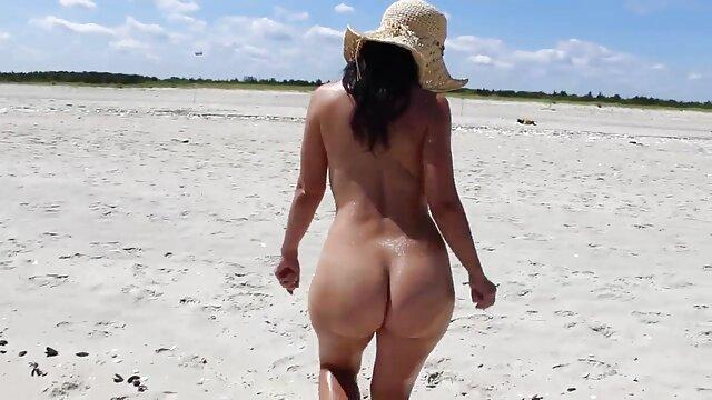 پورن زن 19 ساله در حال نوشیدن فيلم سكس در تلگرام یک خروس چاق است