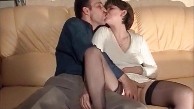رابطه جنسی آماتور در طول کانال فیلمسوپر روز