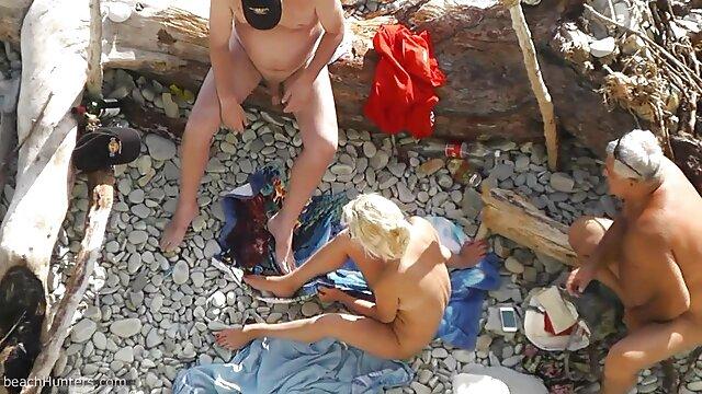 نوجوان لینک کانال سکس کده تراشیده خروس پیر را دوست دارد